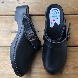 Classic Swedish Wood Leather Black Clogs Straps